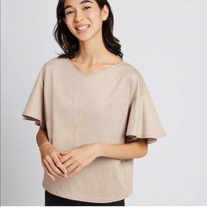 BNWT- Uniqlo women's round neck Flare tee-size XS